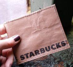 紙財布が今人気を集めています。雑貨屋さんで買えるものから紙袋をリサイクルしたDIYの紙財布まで幅広く注目されている紙財布。そのの魅力はなんと言っても紙という素材の気軽さです。遊び心あふれるポップで楽しい紙財布の魅力をたっぷりお伝えします。