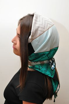 Head scarf, wrapped at neck