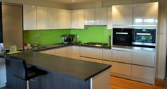 Spice up the home with out a crazy refurbishing job! Five reasons you should invest in a splashback. Glass Splashbacks, House And Home Magazine, Spice Things Up, Clear Glass, Kitchen Cabinets, Home And Garden, Furniture, Home Decor, Decoration Home