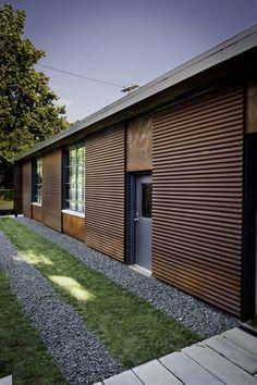 Revestimento em telha. Tovin Studios / Sebastian Quinn Building Workshop