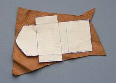 Sewing Ideas Patterns and tips for constructing small leather pouches/amulet bags. I love the idea of sewing buckles onto the sides to thread straps and fringe through. Leather Bag Tutorial, Leather Bag Pattern, Sewing Leather, Leather Thread, Leather Craft, Small Leather Bag, Leather Pouch, Leather Purses, Bag Patterns To Sew