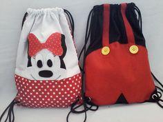 mochila minnie e Mickey    pedido mínimo de 10 unidades    tamanho 35 x 25 cm
