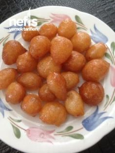 Lyrics of the Artists You Like Kebab Recipes, Baby Food Recipes, Sweet Recipes, Just Desserts, Delicious Desserts, Yummy Food, Turkish Spices, Beignets, Middle Eastern Recipes