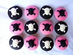 Skull Cupcakes great for Baby Shower or Birthday Party