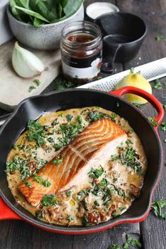 Zalm in citroen-roomsaus - Beaufood Vegetarian Recepies, Raw Food Recipes, Cooking Recipes, Healthy Recipes, Salmon Recipes, Fish Recipes, Seafood Recipes, Easy Diner, Tapas