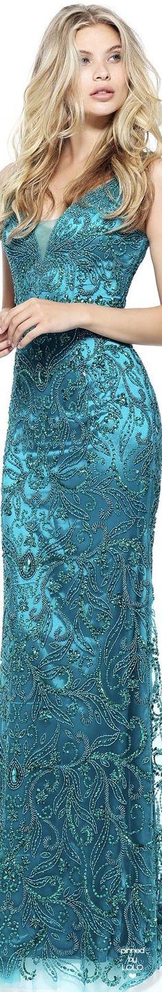 Ᏸɽҽaƙʄaʂʈ aʈ Ƭ¡ʄʄaŋƴ'ʂ Pretty Outfits, Pretty Dresses, Cool Outfits, Color Turquesa, Color Azul, Moda Fashion, High Fashion, Beautiful Gowns, Beautiful Outfits