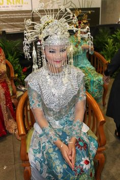 Betawi's bride in blue  #Indonesian #Indonesianwedding http://livestream.com/livestreamasia