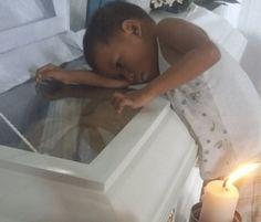 Fotografie chlapečka z Filipín, který objímá rakev, dojímá svět. Až se dozvíte jeho příběh, budete dojati také Wrestling, Political Freedom, Art