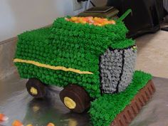 Little boys combine tractor birthday cake. Easier than it looks!