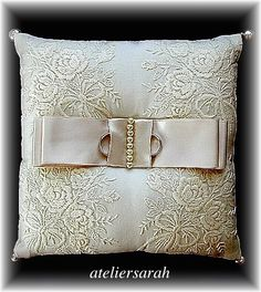 ateliersarah's ring pillow/embroidered cotton cloth