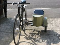 Bicycle Side Car: Neat little DIY side car for your bicycle.