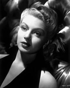 Lover of old hollywood and anything vintage. Old Hollywood Style, Golden Age Of Hollywood, Vintage Hollywood, Hollywood Glamour, Hollywood Stars, Hollywood Actresses, Classic Hollywood, Lana Turner, Actrices Hollywood