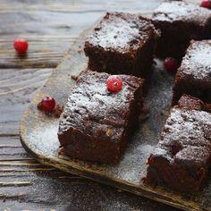 How to Make No Bake Brownies With Graham Crackers Crock Pot Brownies, Moist Brownies, Homemade Brownies, Homemade Chocolate, Homemade Cakes, Flourless Chocolate Cakes, Chocolate Brownies, Chocolate Cookies, Goodies