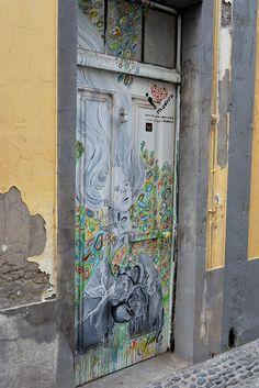 Les portes peintes de la Rua Santa Maria à Funchal, Madère