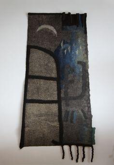 Carpet: Moon Ladder2010wool64″ x 27″(top) x 36″(bottom)