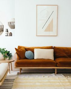 Plush Dreamer couch and Bobby Clark art work. Our Byron bay store is now open Monday - Saturday! Home Living Room, Living Room Decor, Living Spaces, Em Home, Pop And Scott, Decoration Bedroom, Piece A Vivre, Home And Deco, Home Decor Furniture