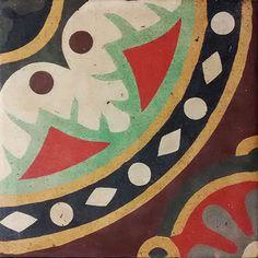 *Santaló 83-1-1915* http://www.fragmentsbcn.com/productos/rescued-tile.html - 85€ La #baldosa viene preparada en un marco metálico pintado al horno con acabado negro mate con fieltros resistentes para apoyarla en cualquier superficie. Puedes coleccionar la baldosa, utilizarla como elemento de #decoración o como #mesa gracias a su soporte #InstantTable. #baldosarescatada #rescuedtiles #tiles #baldosahidráulica #hydraulictiles #Ihavethisthingwithtiles #tileaddiction #welovetiles