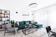 Green sofa in modern livingroom Green Sofa, Outdoor Furniture Sets, Outdoor Decor, Living Room Modern, Couch, Apartment Ideas, Interior, Table, Home Decor