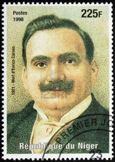 NIGER - CIRCA 1998: A postage stamp printed by Niger shows image portrait of famous Italian singer Enrico Caruso (1873-1921), circa 1998.