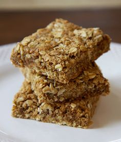 Each chewy, nutty, and subtly sweet bar is 176 calories and offers 8.4 grams of fiber but only has 5.5 grams of sugar.