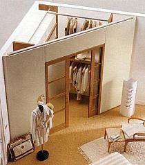 Garderoba w małej sypialni
