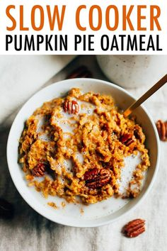 Have pumpkin pie for breakfast with this healthy slow cooker pumpkin pie oatmeal recipe featuring steel-cut oats cooked overnight with pumpkin puree and spices. Hello fall! Vegan, gluten-free and perfect for meal prep! #pumpkin #oatmeal #slowcooker #breakfast #healthy #mealprep #vegan #glutenfree Vegan Crockpot Recipes, Healthy Dinner Recipes, Real Food Recipes, Healthy Food, Healthy Eating, Pumpkin Pie Oatmeal, Pumpkin Puree, Slow Cooking, Healthy Thanksgiving Recipes