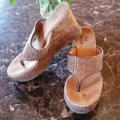 Very Volatile Straw Wedge Size 6 Straw and cork wedge by Very Volatile. Excellent condition Volatile Shoes Wedges