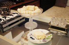 Receita fácil e deliciosa de bolo gelado de coco.
