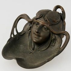 Art Nouveau Inkwell of Woman. Copyright © 2002–2013 LiveAuctioneers.