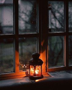 Immagine di light, window, and rain - Best of Wallpapers for Andriod and ios I Love Rain, Rain Photography, Autumn Aesthetic, Window View, Street Lamp, Candle Lanterns, Belle Photo, Night Skies, Love Art