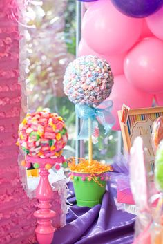 candy theme birthday, my question is what kids birthday isn't candy themed! Sweet 16 Parties, Holiday Parties, Candy Party, Party Favors, Girl Birthday, Birthday Parties, Birthday Ideas, Candy Land Theme, Fiestas Party