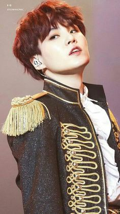 Image uploaded by 尼科. Find images and videos about kpop, bts and jungkook on We Heart It - the app to get lost in what you love. Suga Suga, Min Yoongi Bts, Min Suga, Bts Bangtan Boy, Namjin, Kim Namjoon, Jung Hoseok, Seokjin, Foto Bts