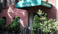 Chelsea Pines Inn was built in the 1850s as a private home and has since been transformed into a delightful abode for leisure and business travelers alike. The rooms feature movie stars from the Golden Age of Hollywood, lending novelty to the homey atmosphere.