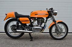 1971 Ducati 450 Mk3 Desmo R Side