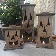 Wood lantern, made with rustic worn wood, Jack-O-Lantern for Halloween/ Fall Art decor for the patio or front porch by artist Bill Miller Holzlaterne aus rustikal abgenutztem Holz Jack-O-Laterne für Halloween Wood Crafts, Fall Crafts, Fall Halloween, Wooden Halloween Decorations, 4x4 Crafts, Rustic Halloween, Halloween Lanterns, Manualidades Halloween, Adornos Halloween