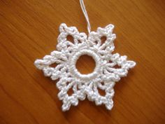 Crochet Snowflake Pattern, Crochet Snowflakes, Xmas, Christmas, Crochet Earrings, Projects To Try, How To Make, Gifts, Inspiration