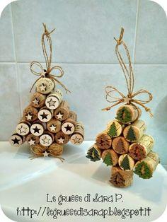 Kids Christmas, Christmas Wreaths, Christmas Crafts, Christmas Decorations, Cork Art, Xmas Tree, Crochet Patterns, Place Card Holders, Crafty