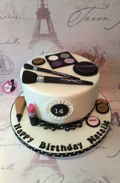 Mac make-up cake . Mac-Make-up-Torte . Cakes To Make, Make Up Torte, Make Up Cake, Fancy Cakes, Cake Making, 13th Birthday Cake For Girls, 14th Birthday Cakes, Cool Birthday Cakes, Teenage Girl Birthday