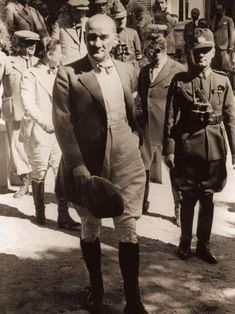 Turkish Army, The Legend Of Heroes, The Turk, Great Leaders, Historical Pictures, The Republic, Held, Revolutionaries, African Fashion