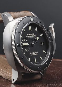 One of my favourite watches Panerai Luminor Submersible. Men's Watches, Panerai Watches, Fine Watches, Cool Watches, Fashion Watches, Rolex, Amazing Watches, Beautiful Watches, Panerai Luminor Submersible