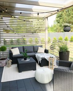 36 Enchanting Modern Patio Design Ideas That You Will Love - Setting up your patio furniture is not enough it would be nice if you embellish it with outdoor accents and accessories for a stylish and fabulous loo. Small Patio Furniture, Outdoor Furniture Sets, Outdoor Decor, Furniture Design, Outdoor Living, Furniture Plans, Outdoor Furniture Inspiration, Deck Furniture Layout, Outdoor Patios