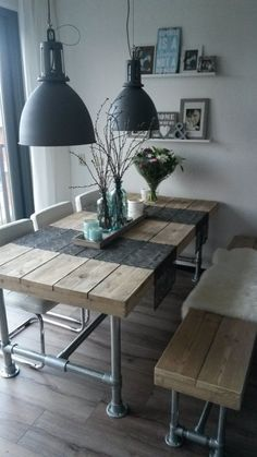 Industrial Look - 26 stylish furniture made of pipe connectors- Industrial Look – 26 stylische Möbel aus Rohrverbindern Build a table from pipes - Furniture Making, Diy Furniture, Furniture Vintage, Furniture Online, Furniture Outlet, Furniture Plans, Furniture Design, Plumbing Pipe Furniture, Pipe Decor