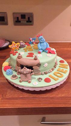 Littlemissimmyloves inthenightgarden cake
