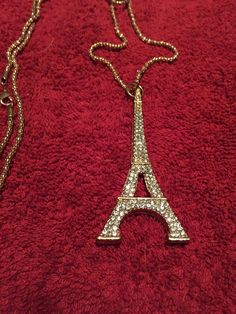 """Vintage, collectible, Paris, France, Eiffel Tower, goldtone, necklace, pendant, crystal bling sparkle and shine 28"""" chain"""