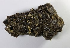 Bitumen Quartz as a group, Eutingen near Pforzheim, Germany. Size 40 mm Collection: Ben van den Berg. Copyright: Reinhold