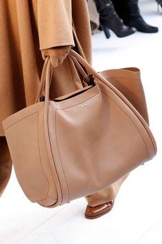 See Fall Best Bags Fresh off the Runways Beautiful Handbags, Beautiful Bags, Cuir Orange, How To Have Style, Fab Bag, Winter Mode, Best Bags, Purses And Handbags, Ladies Handbags