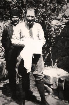 ATATÜRK Çankaya Köşkü bahçesi. 10 Haziran 1921 ( GÜNAYDIN ISTANBUL, GÜNAYDIN TÜRKİYE )