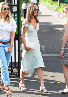 On-trend: Pippa Middleton looked tanned and radiant in a feminine knee-length mint dress with cold shoulder detailing as she arrived at Wimbledon today Supernatural Style Pippa Middleton Dress, Carole Middleton, Middleton Family, Pippa And James, Kate And Pippa, Mint Dress Outfits, Blue Dresses, Summer Outfits, Royal Fashion
