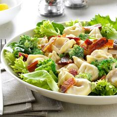 Lemony Tortellini Bacon Salad Quick Pasta Salad Recipe, Pasta Salad Recipes, Tortellini Recipes, Tortellini Soup, Taco Side Dishes, Picnic Side Dishes, Homemade Macaroni Salad, Best Summer Salads, Small Pasta