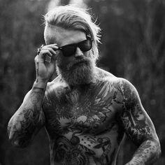 male-with-beard-and-long-length-undercut-hair.jpg (600×600)